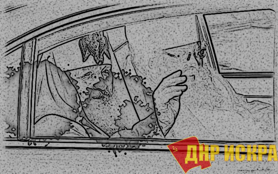 """Россия под чутким руководством РПЦ """"встает с колен"""": строит по три храма в сутки"""